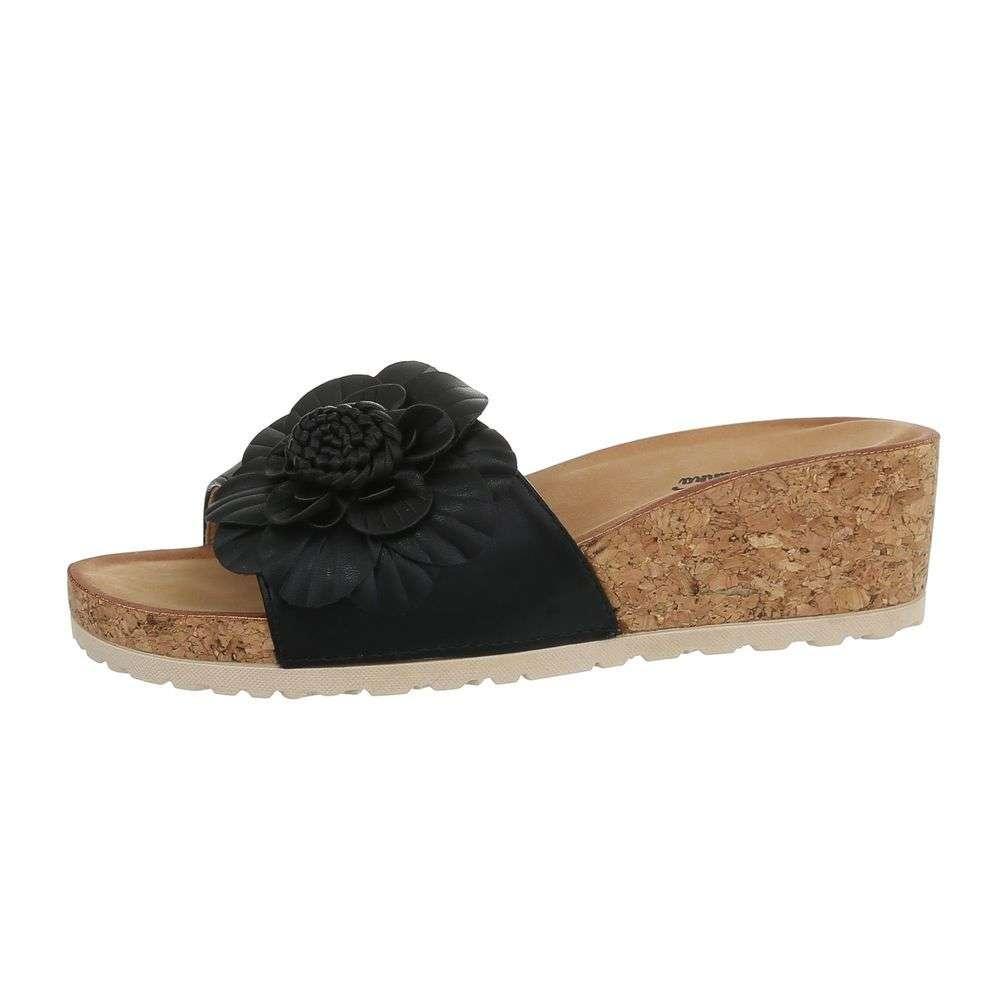 e7f0d698e488 Pohodlné dámske šľapky s kvetom TOP-3527-9-black