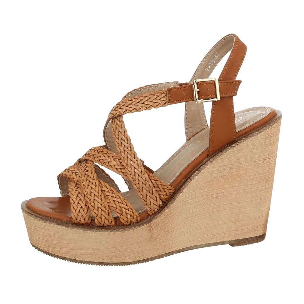 85f6b3f66060 Sandále na platforme TOP-J-19-1-camel