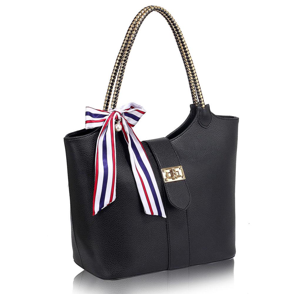 Čierna kabelka na rameno DK00278-black e607fbd4c06