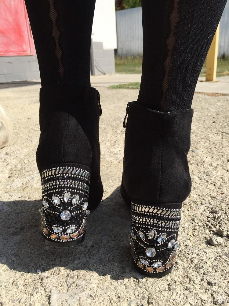 1b2a6a8d6 Členkové topánky s kamienkami na opätku TOP-V-1-1-black