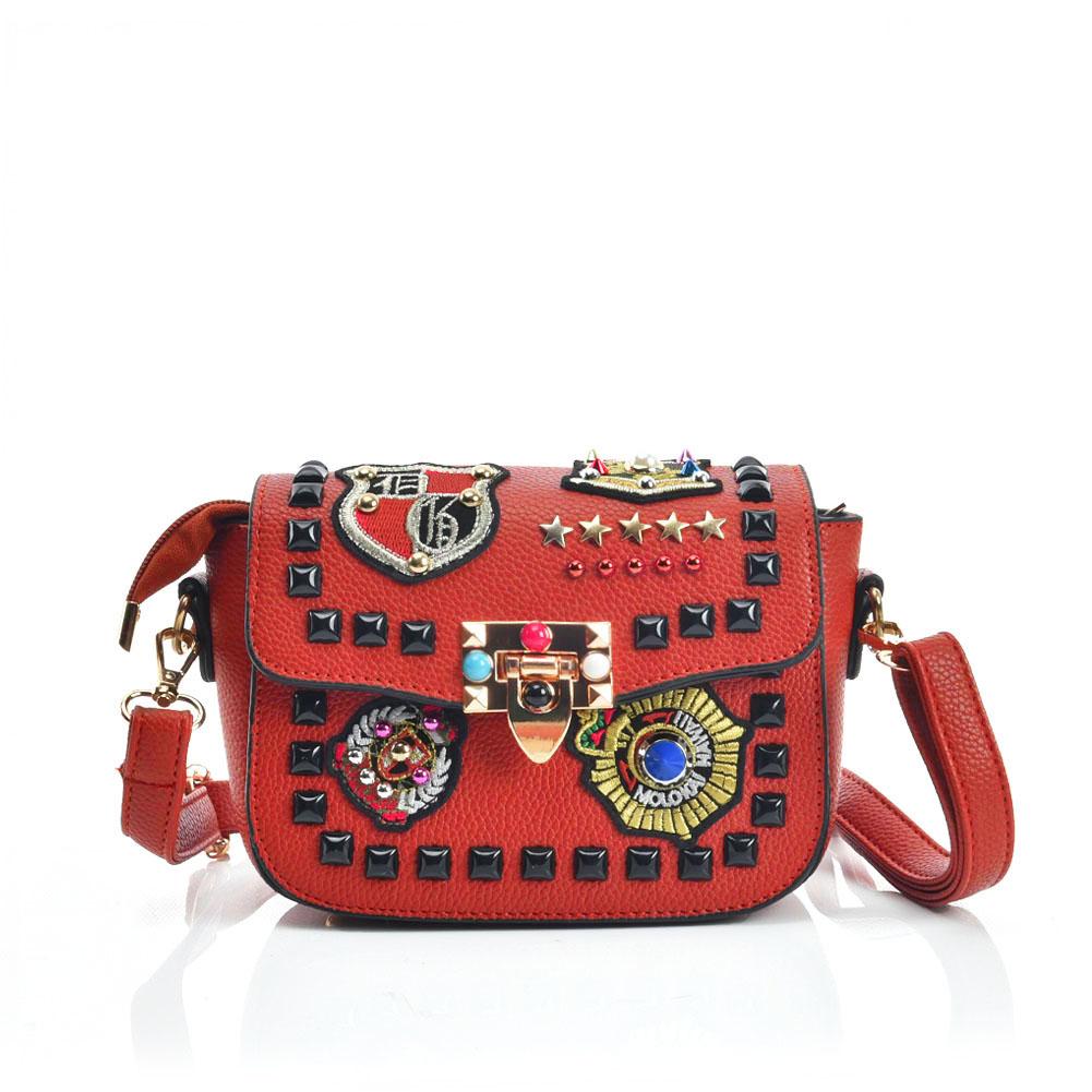 Crossbody kabelka s našívkami DKA-VK5384-red de6393684cb