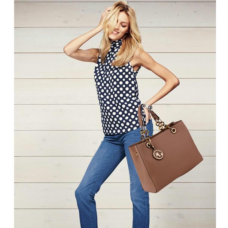 Elegantná kabelka do ruky AG00536A-nude 27093071ad4