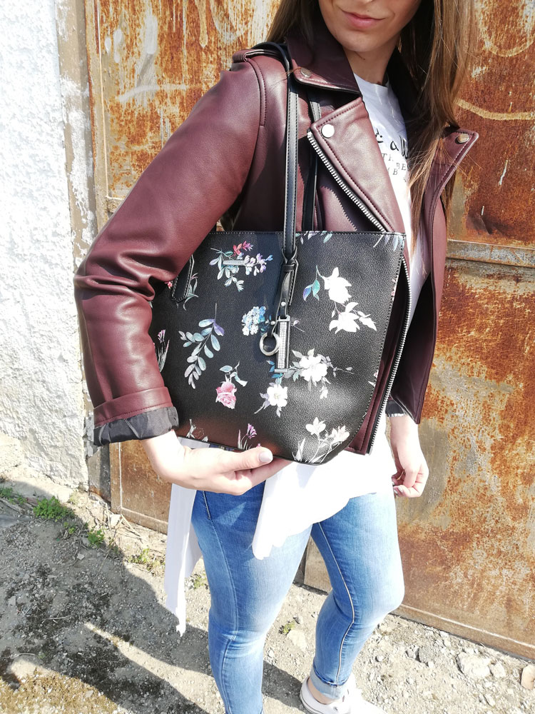 d8b6e23126 Kvetovaná kabelka na rameno David Jones CM-5996-4-black