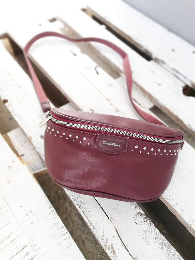 Vybíjaná bedrová kapsička David Jones CM-5379-bordo