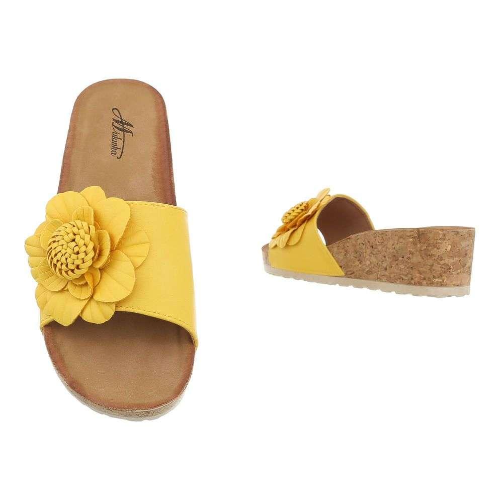 e325bb1cf51c Pohodlné dámske šľapky s kvetom TOP-3527-9-yellow