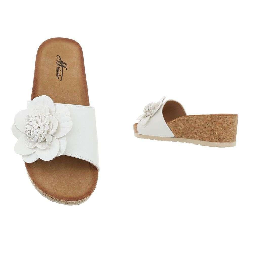 34c19d234f78 Pohodlné dámske šľapky s kvetom TOP-3527-9-white